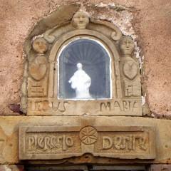 Ouvrage sur les linteaux et inscriptions anciennes sur les bâtiments de Haute-Saône